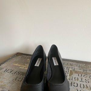 Black Steve Madden block heels